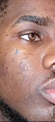 Тату слеза под глазом – пример на фото – 5