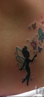 Тату фея и бабочки – сексуальный вариант на бедре – внизу женского животика