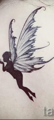 Тату фея по середине спины – ниже шеи