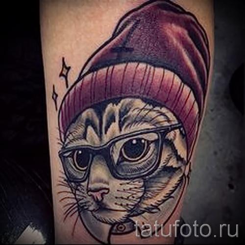 Фото нью скул тату - кот в шапке и очках