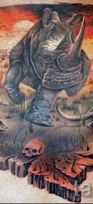 Фото пример тату носорог – красивая цветная татуировка на всю спину