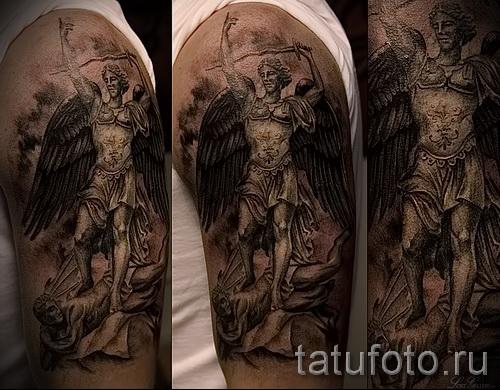 Фото тату архангел Михаил - тату копия статуи на руку и плечо