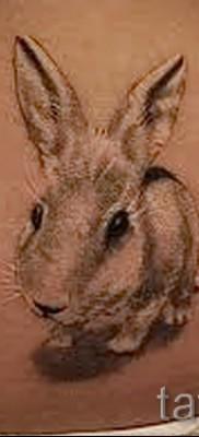 Фото тату кролик на пояснице – женская татуировка