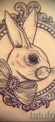 Фото тату кролик – с рамкой и бантиком