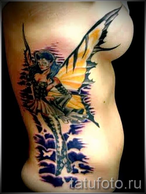Тату фея на боку и груди у девушки