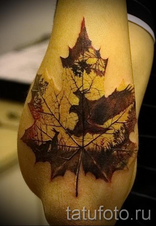 Тату лес и кеновый лист