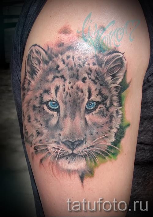 Фото тату барс - реалистичная татуировка на плече