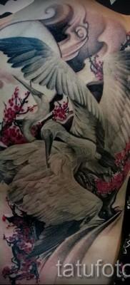 тату журавль фото пример – большая татуировка на спине