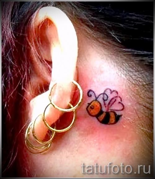 Пример тату пчелы на фото 4