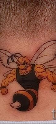 Пример тату пчелы на фото 48