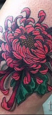 Пример тату хризантема на фото № 14