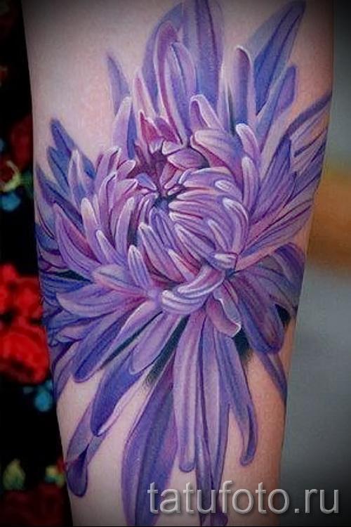 Пример тату хризантема на фото № 25