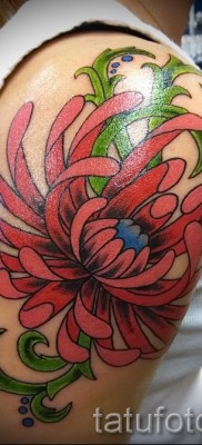 Пример тату хризантема на фото № 39
