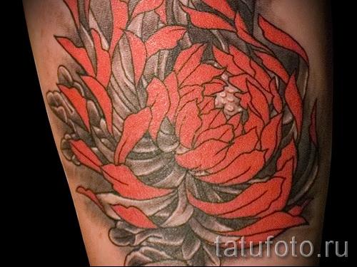 Пример тату хризантема на фото № 40