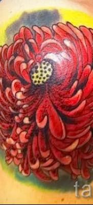 Пример тату хризантема на фото № 48