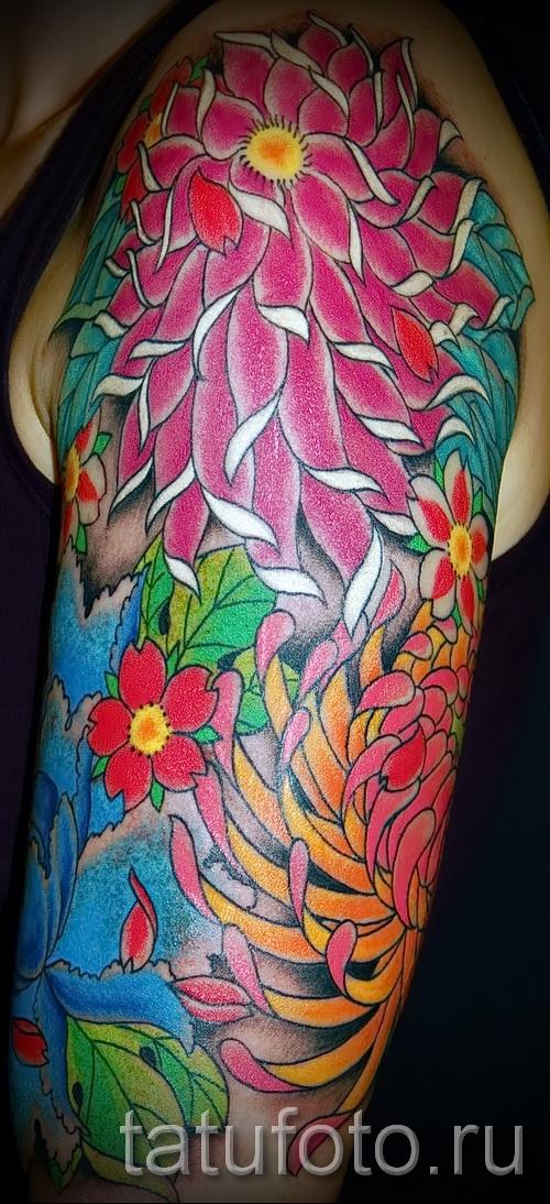 Пример тату хризантема на фото № 61