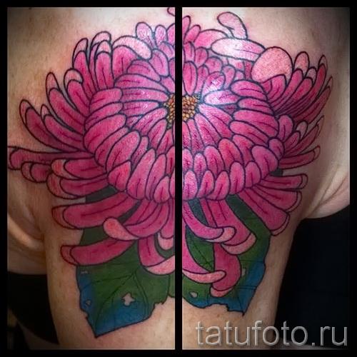 Пример тату хризантема на фото № 66