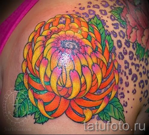 Пример тату хризантема на фото № 81