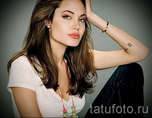Тату Анджелины Джоли - пример на фото № 24