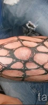 Тату паутина на локте – фото готовой татуировки – 20122015 № 32