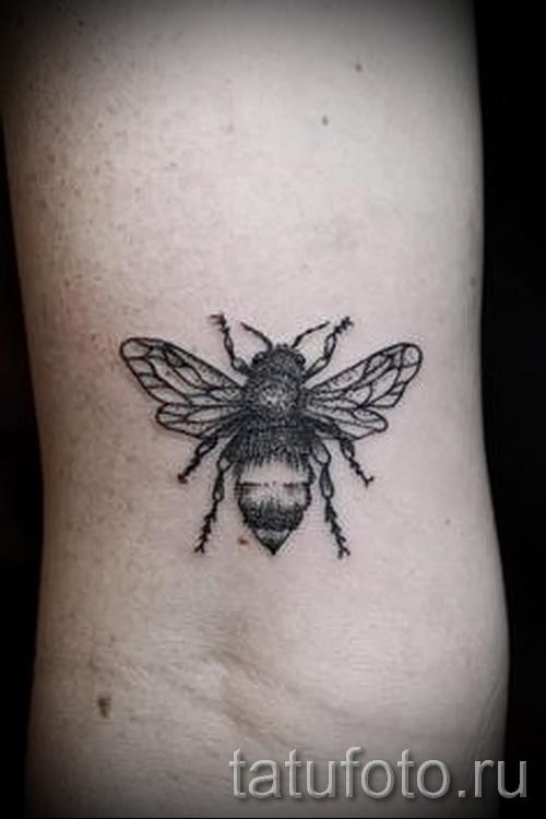 Фото тату пчела - обычный вариант
