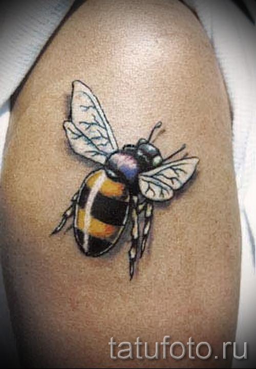 Фото тату пчела - пчела напилась нектара