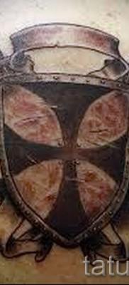 Фото тату щит и четыря сабли