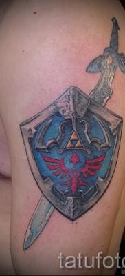 Фото тату щит – татуировка цветная