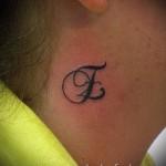 тату буква е - фото готовой татуировки - 20122015 № 2