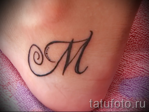 тату буква м - фото готовой татуировки - 20122015 № 18