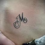 тату буква м - фото готовой татуировки - 20122015 № 3
