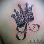 тату корона с буквой - фото готовой татуировки - 20122015 № 7