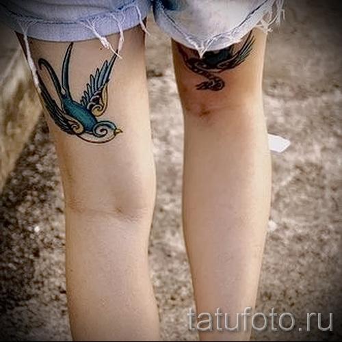 тату ласточки на ноге - фото пример 4