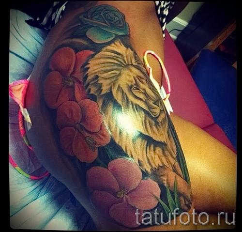 тату лев с цветами - фото классной татуировки от 21122015 № 1