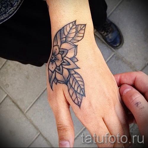 тату на кисти цветы - фото классной татуировки от 21122015 № 6