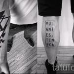 тату на ноге буквы - фото готовой татуировки - 20122015 № 4