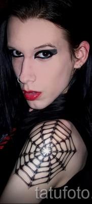 тату паутина на плече – фото готовой татуировки – 20122015 № 8