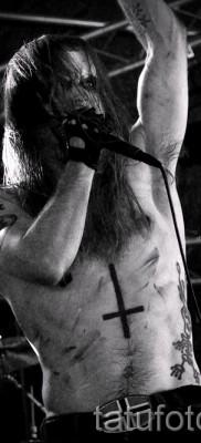 тату перевернутый крест – пример на фото от 08122015 № 27