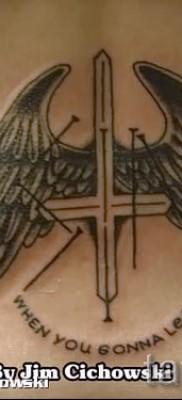 тату перевернутый крест – пример на фото от 08122015 № 46