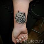 тату роза на запястье - фото вариант от 15122015 № 6