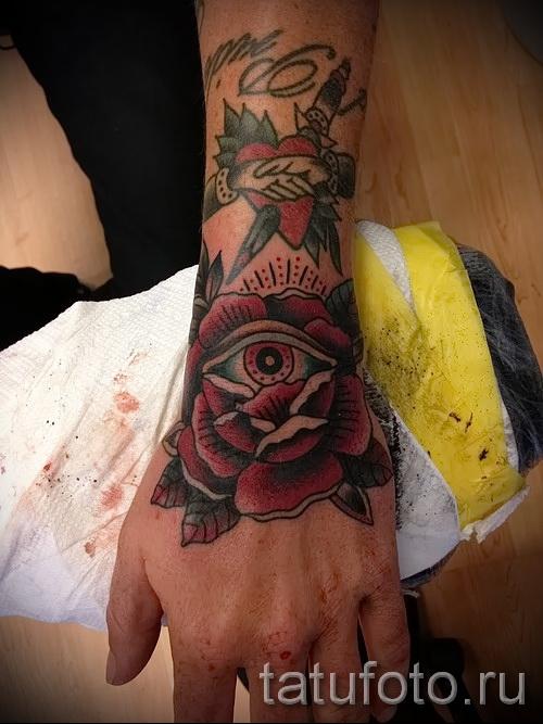тату роза на кисти руки - фото вариант от 15122015 № 4