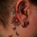 тату цветок за ухом 2