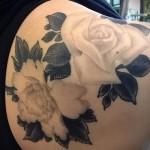 тату цветы на лопатке - фото вариант от 21122015 № 4