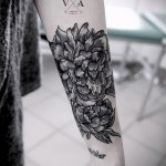 тату цветы на предплечье - фото вариант от 21122015 № 4