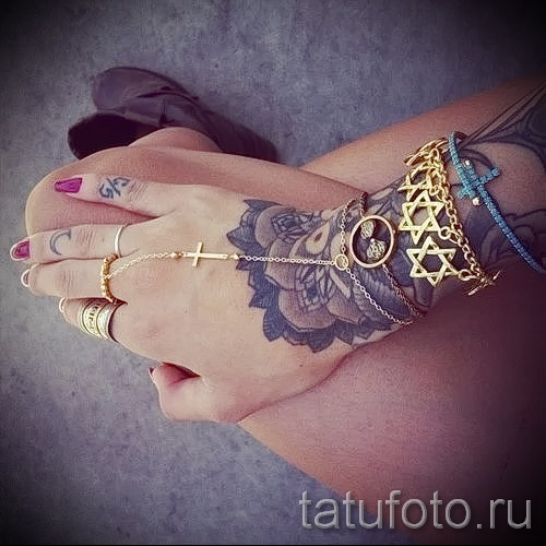 тату цветы на руке для девушек - фото вариант от 21122015 № 1