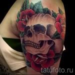 красивый череп и красные роза - тату фото