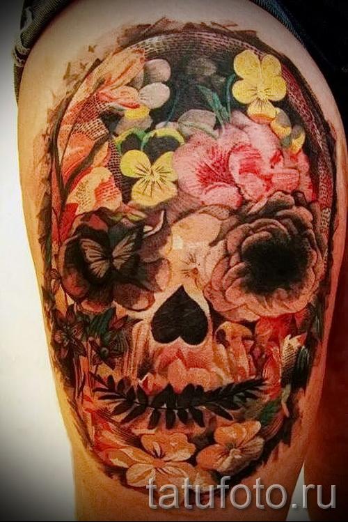 тату череп с цветами - фото вариант от 21122015 № 2