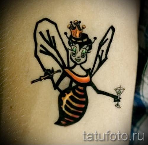 Пример тату пчелы на фото 42