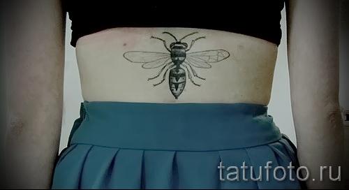 Пример тату пчелы на фото 47
