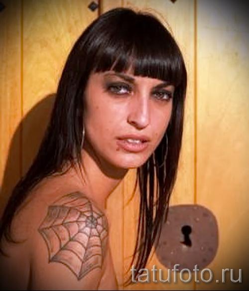 тату паутина на плече - фото готовой татуировки - 20122015 № 2